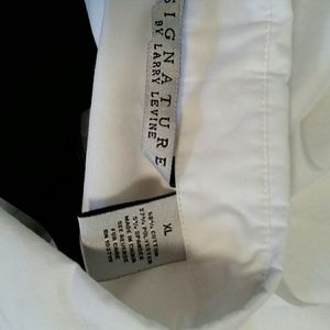 Signature by Larry Levine Tops - NWOT Signature by Larry Levine top